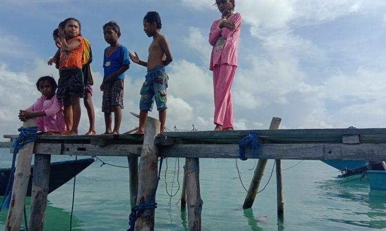 Anak - anak di Pulau UT Kota Tual