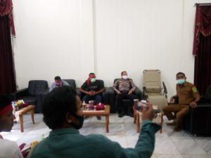 Sekda Kota Tual menerima lima perwakilan para pendemo warga Dusun Fair, Kota Tual