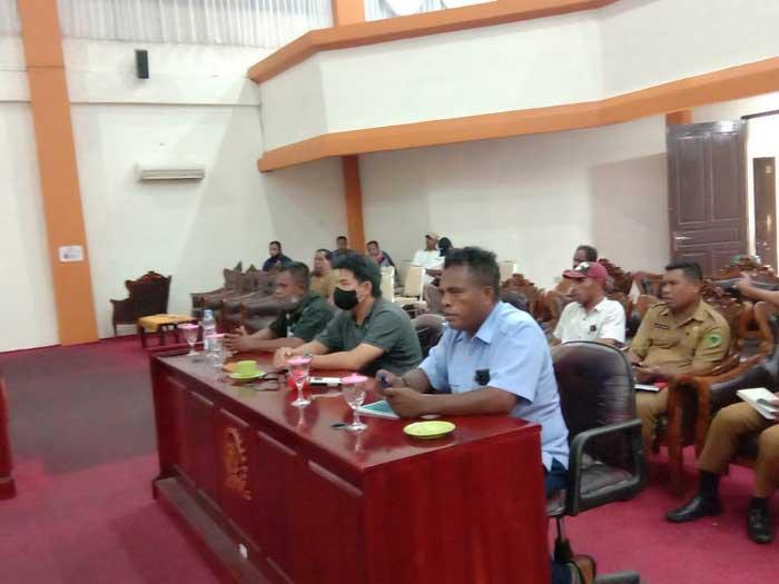 DPRD secara resmi mengundang Direktur CV. Nelayan Makmur dan CV. Mutiara Makmur Jaya untuk hadir bersama Dinas Lingkungan Hidup dan Kesehatan dalam Rapat Dengar Pendapat ( RDP ), Senin ( 16/11/2020 ).