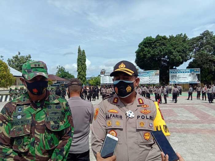 Pimpinan TNI – Polri di Kota Tual dan Kabupaten Maluku Tenggara dalam Apel kesiapan pengamanan Natal Kamis ( 24/12/2020 ) pukul 13.00 WIT.