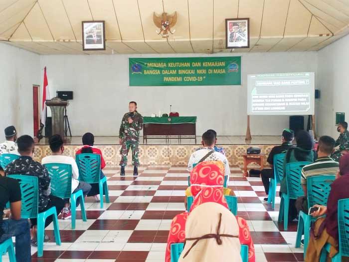 Kasdim 1503 / Tual, Mayor Arm. Udin Rasidi, ST saat memaparkan materi tentang jaga NKRI, Selasa ( 15/12/2020 ) (