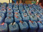ribuan-liter-sopi-yang-disita-polisi-di-KM-Inti-Mulia