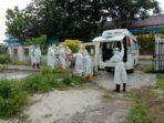 Kota Tual di Propinsi Maluku yang selama ini belum ada pasien meninggal terkonfirmasi positif Covid-19, akhirnya pecah telur, Sabtu 09/01 2021 ), ketika satu pasien meninggal di RSUD Karel Sadsuitubun Langgur, pukul 07.30 WIT, dimakamkan sesuai protokol kesehatan, pukul 12.00 WIT