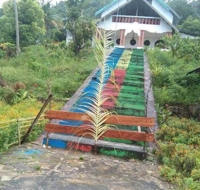 Sasi Hawear yang dipasang di Ohoi Watlaar, tepatnya dirumah Marius Edo Rahail.