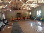 suasana sidang adat kei di Balai Ohoi Faan