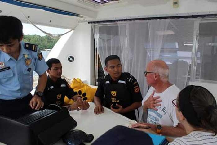 Pengawasan petugas Bea & Cukai Kota Tual terhadap activitas Wisatawan asing yang berkunjung di Kepulauan Kei