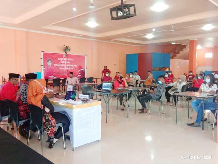 Anggota DPR RI dari Fraksi PDI – Perjuangan, Perwakilan Maluku, Mercy Chriesty Barends, dalam sosialisasi Empat Pilar kehidupan Kebangsaan, di Dapil Maluku, Senin ( 19/04/2020 )