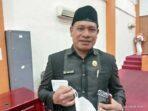 Anggota DPRD Kota Tual, Jimal Kabalmay, dalam rapat paripurna DPRD Kota Tual, Rabu ( 05/5/2021 )
